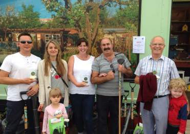 Daniel & Beata on the left winners of Best Large Plot category; George on far right winner of Best Small Plot category; and then smack bang in the middle of things is Mrs Dirt-Digger Janette, with devil (literally) in hand. Congratulations to all